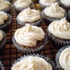 Mini Vanilla Chai Cupcakes with Cinnamon Buttercream Frosting